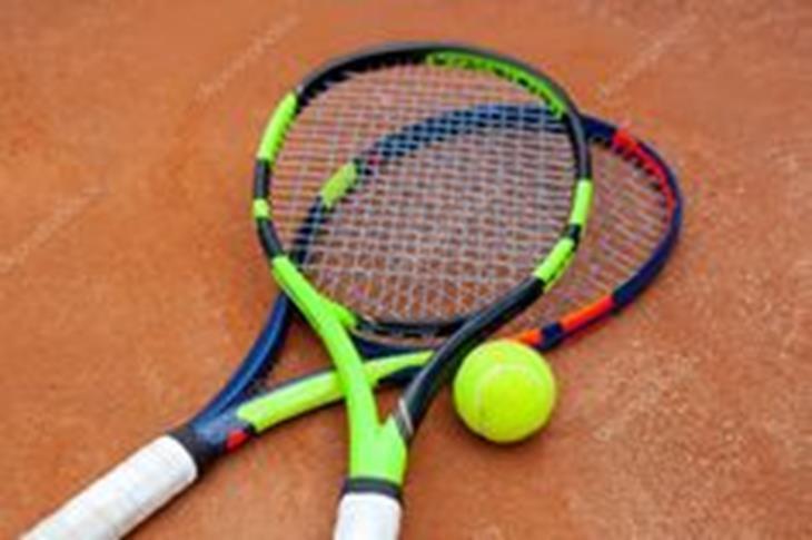 2-tennisrackets.jpg