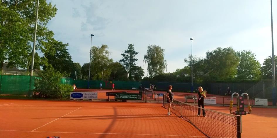 We kunnen weer tennissen2.jpg