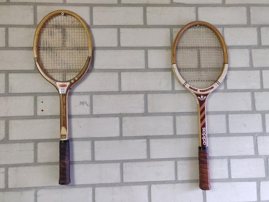 Oude tennisrackets.jpg