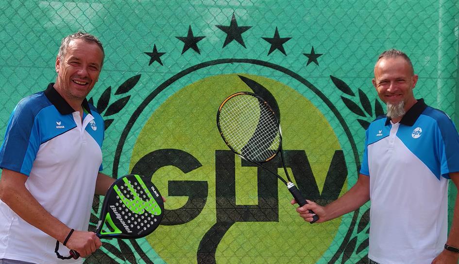 Trainers met logo GLTV.jpg