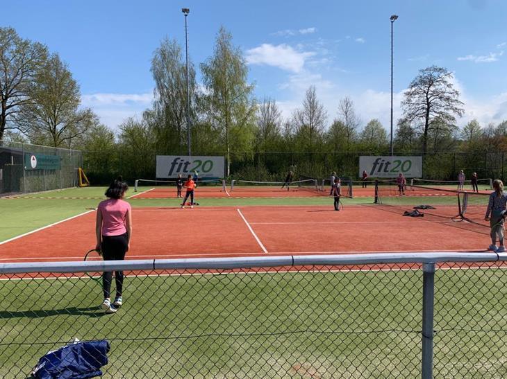 Foto 1 tennisdag.JPG