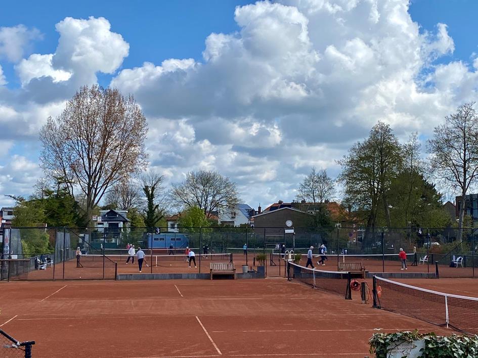 vrijdag tennis ochtend.jpeg