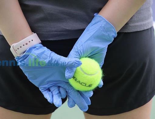 Tennisbal handschoenen.jpg