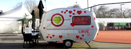 all you need is love caravan - verkoop.jpg