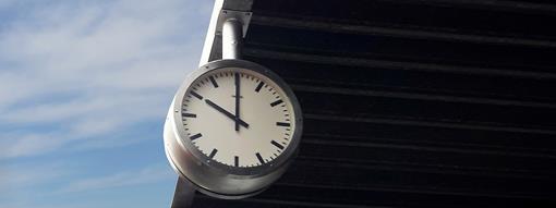 klein IMG_1538 - hiaten oude klok (2).jpg