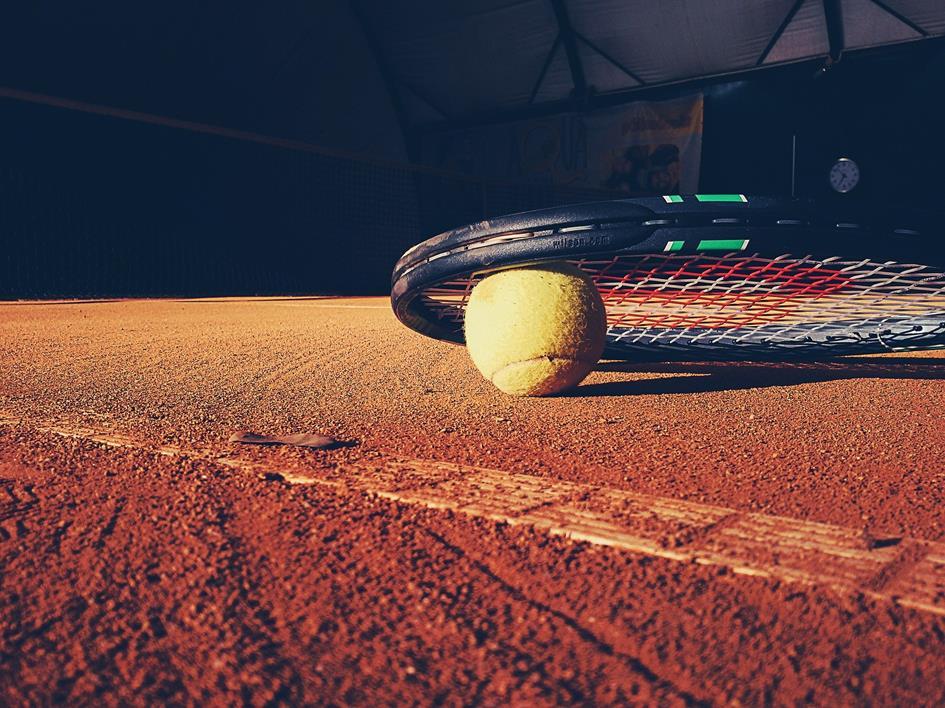 tennis-923659_1920.jpg