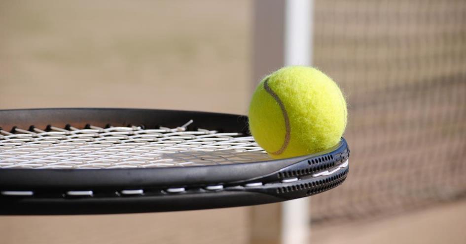 racket_en_bal.jpg