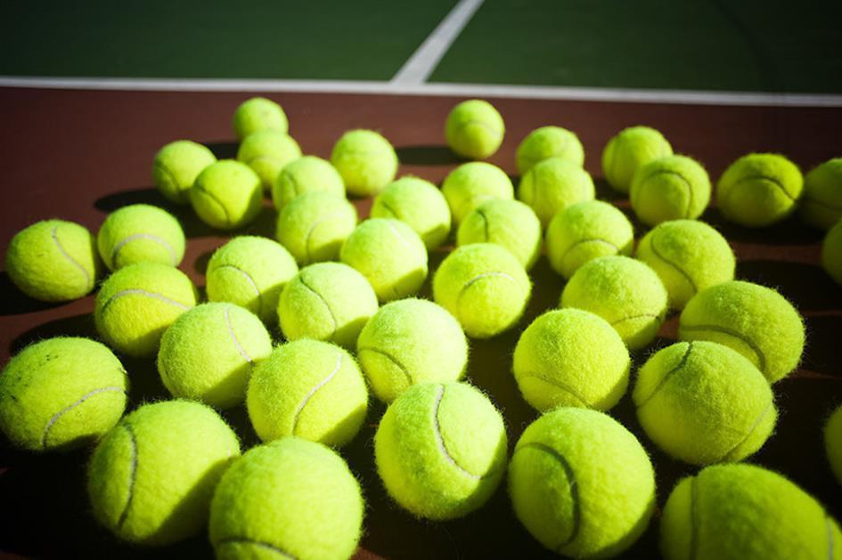 tennisballen-achtergrond-kltv-v1.jpg