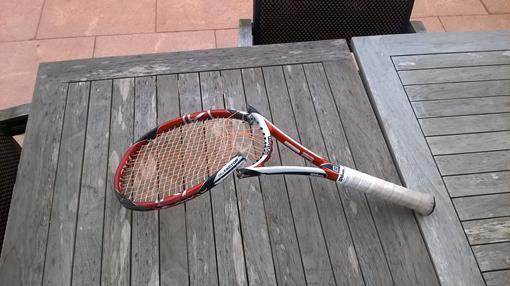 gebroken racket.jpg