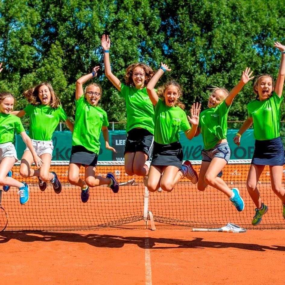 Jeugd tennis mag weer.jpg