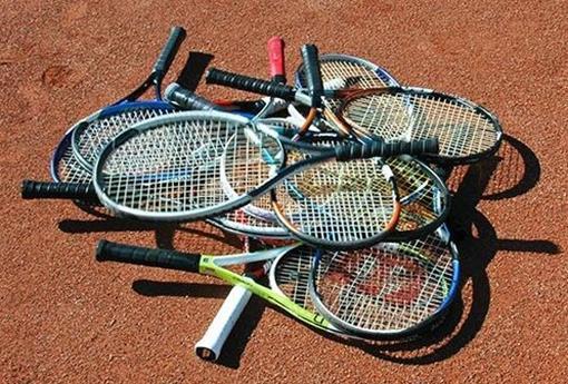 racket-toss.jpg