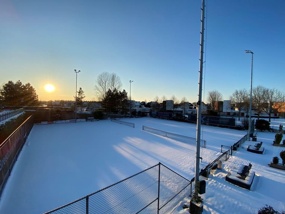 sneeuw tennispark.jpg