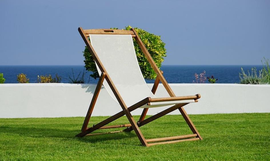 deck-chair-1437164_1920.jpg