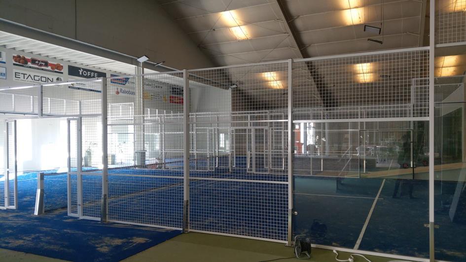indoor padelbanen.jpg