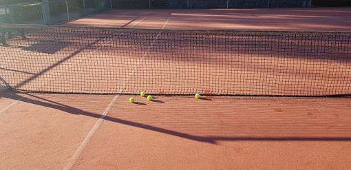 tennisbaan-ballen.png