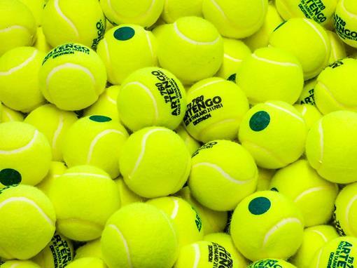 tennis-2585621_1920.jpg