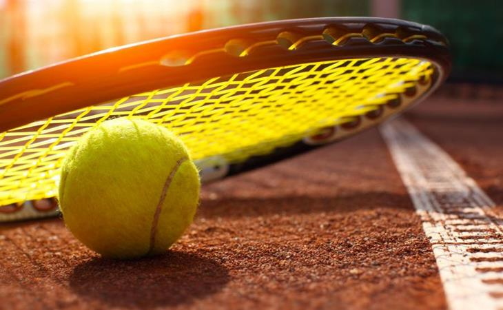 tennisbal-racket.jpg