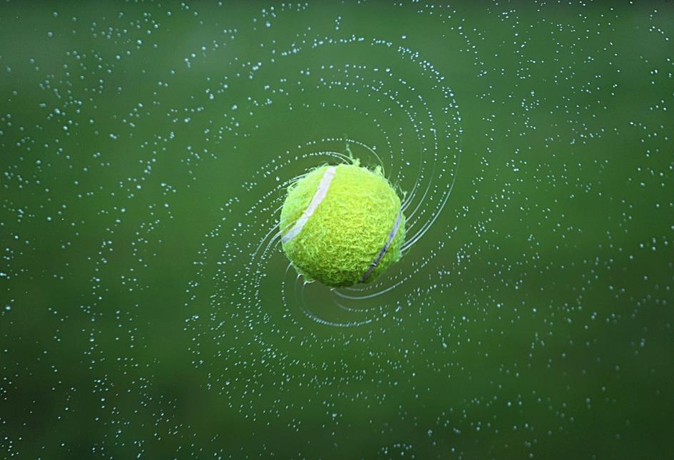 tennis-1381230_1920.jpg
