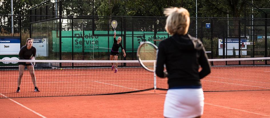 tennisveld (corona).jpg