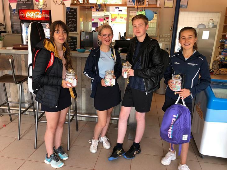 Kampioenen - Martyna, Emma, Frits, Floor 1.jpg