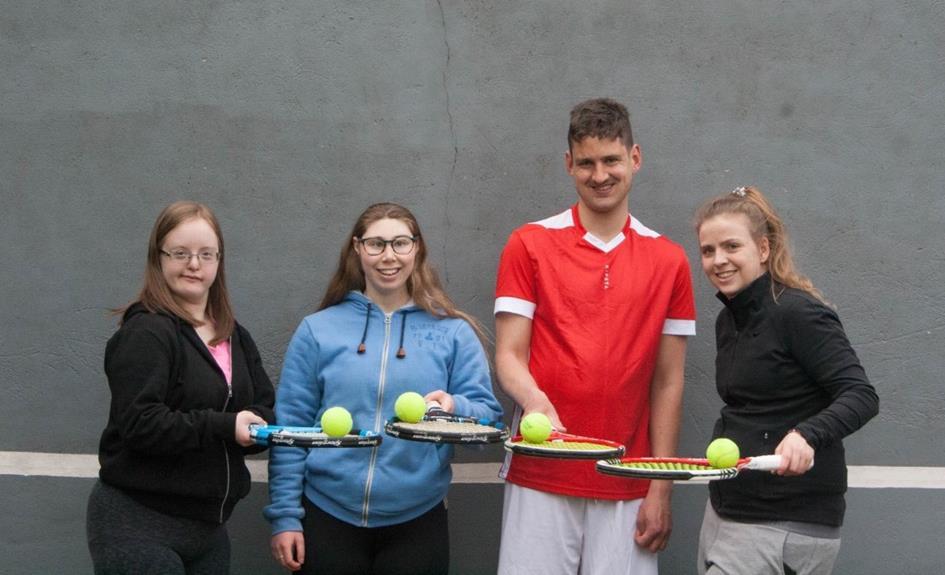 G-tenniss1.jpg