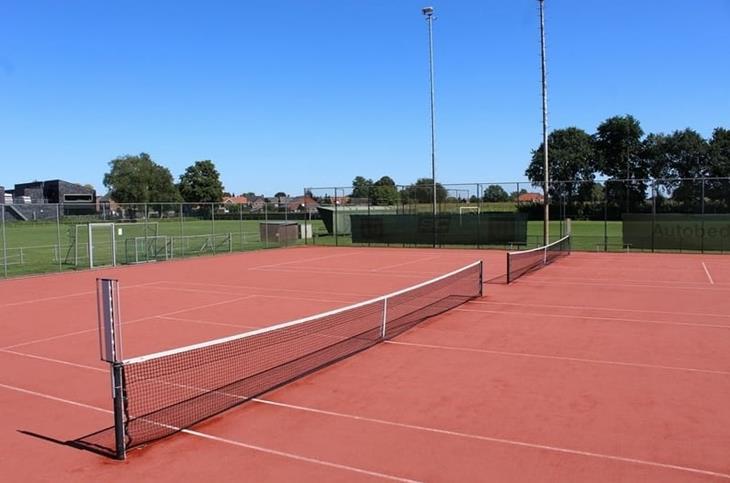 Tennisveld Ulicoten.jpg